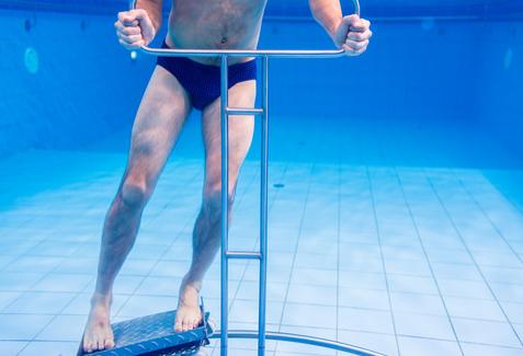 traumi sportivi la riabilitazione in acqua
