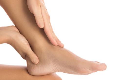 idrokinesiterapia per articolazione caviglia piede