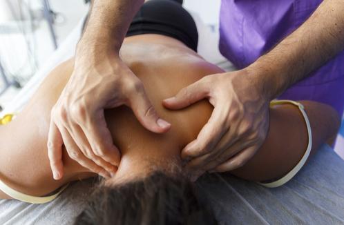 Osteopatia per la cura dell'ernia cervicale