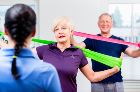 ginnastica posturale esercizi che coinvolgono le braccia